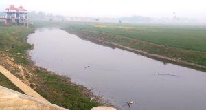 मगहर में कबीर आश्रम के पास आमी नदी (फाइल फोटो)